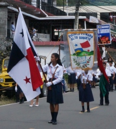 The schools all had a Panama flag, their school flag and many had the green and red Chiriqui region flag.